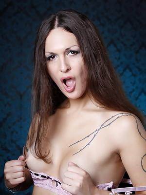 Gorgeous Transsexual Nicole posing naughty